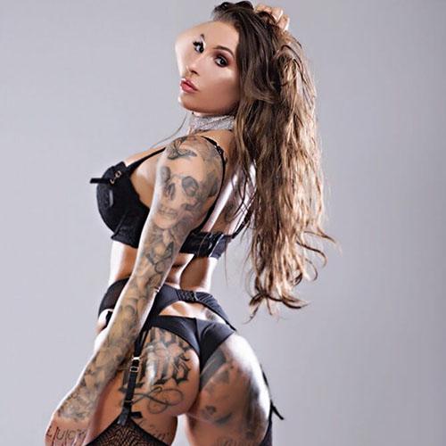 vrouwelijke stripper Scarlette
